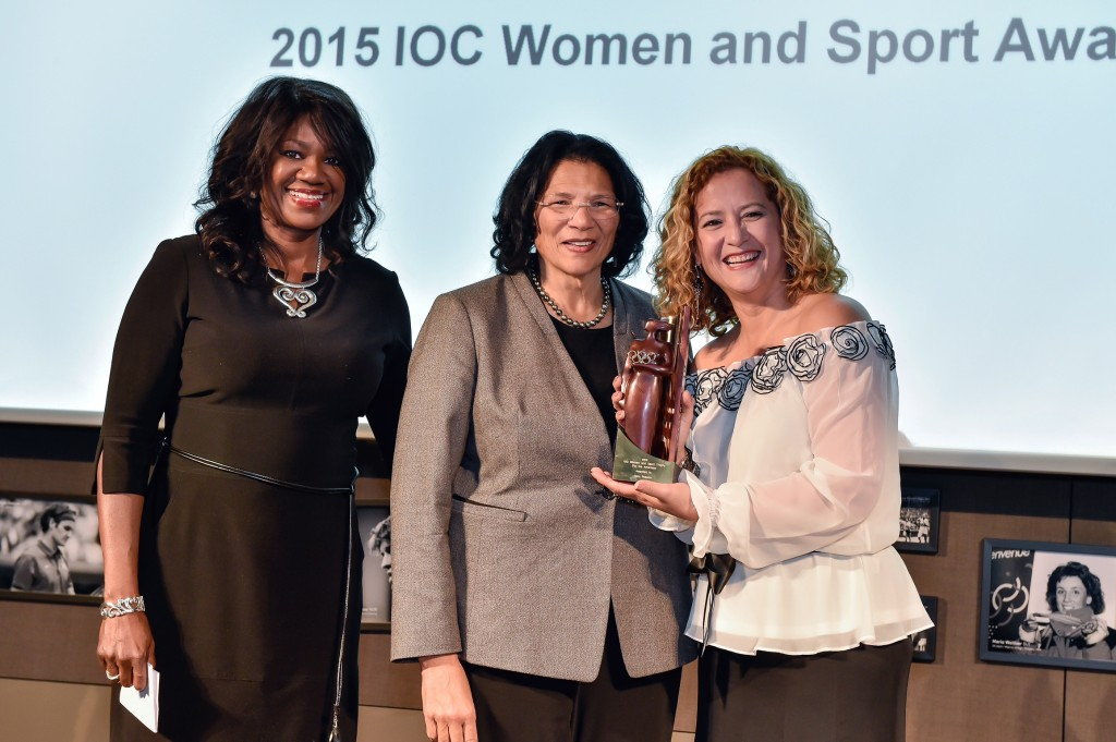 20151110_CM_WomenSportawardceremony